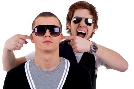 due amici: Cool due ragazzi amici ingannare circa con eachother