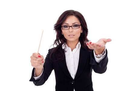 Mooie business vrouw het uitvoeren van haar team, geïsoleerd op wit