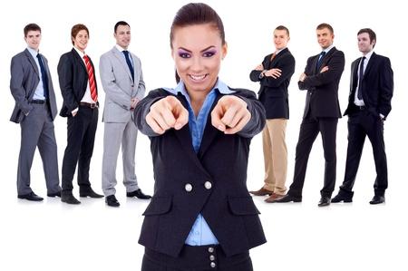 talking businessman: mujer de negocios que apunta a que usted y la elecci�n de su equipo