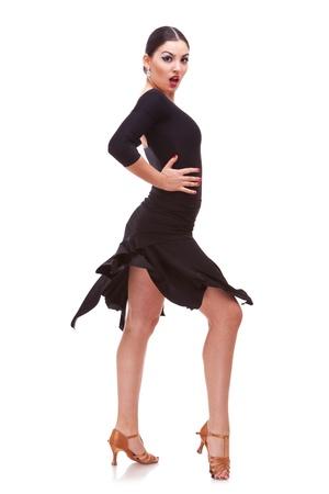 bailarina: Jovem, mulher, que executa a dan