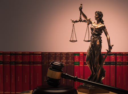 正義の概念的イメージにおける法の象徴 写真素材