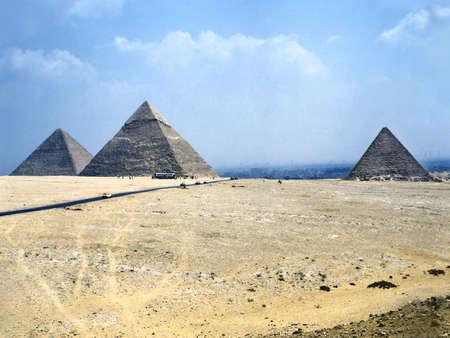 chephren: Giza pyramids complex (Il Cairo, Egypt)