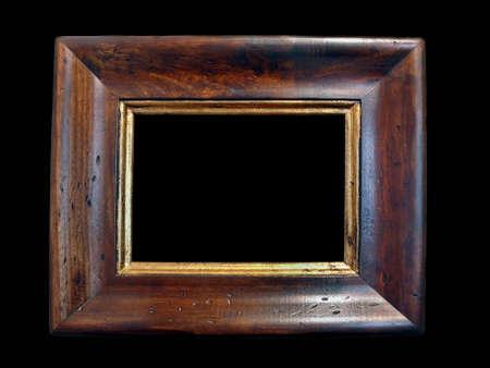 Een oude houten frame op een zwarte achtergrond