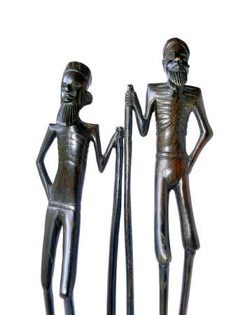 wood figurine: Madera africana muy antigua figura aislada en blanco