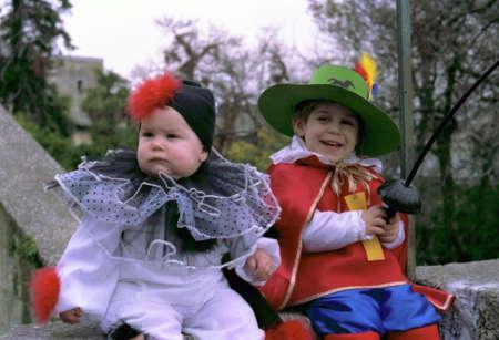 I bambini vestiti di carnevale per celebrazione Archivio Fotografico - 4841667