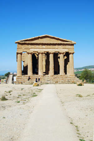 valley of the temples: Path to The Temple of Concordia,  in the Valley of Temples in Agrigento, Sicily