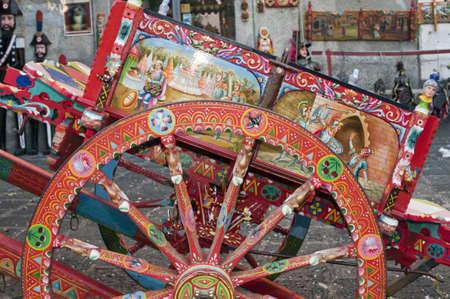 Siciliaanse winkel met traditionele mobiele carts Stockfoto