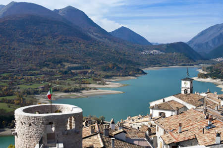 Lake Barrea landschap, Abruzzo, Italië