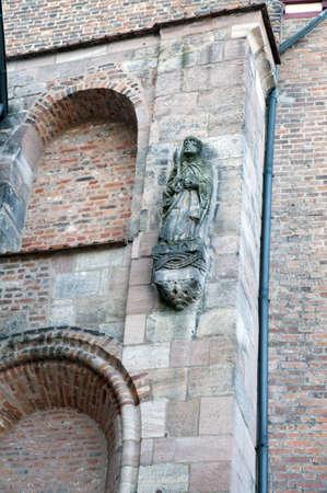 particolare: Particolare di una statua murale antica, Castello di Norimberga area, Germania