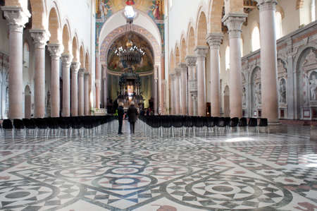architrave: Cathedral in Messina, Sicily