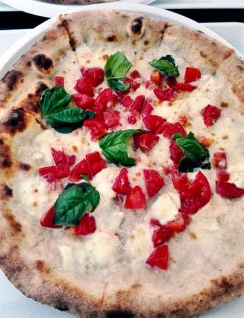 dinnertime: Pizza margherita