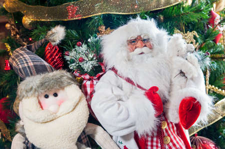 gewgaw: Snowman and Nicholas dolls