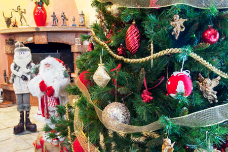 gewgaw: Christmas decorations at home