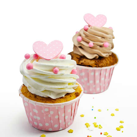 cup cakes: Cupcakes on white background