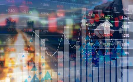ビジネスの女性と株式市場の設計の二重露光 写真素材