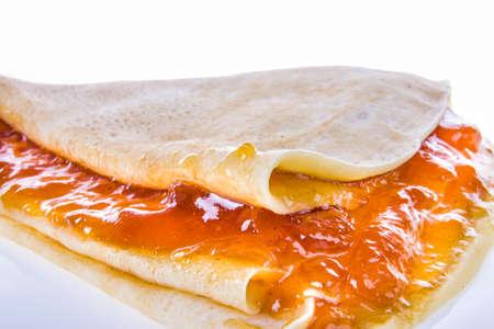 marillenmarmelade: Pfannkuchen mit Aprikosenmarmelade in der N�he erschossen Lizenzfreie Bilder