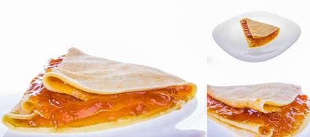marillenmarmelade: Pfannkuchen mit Aprikosenmarmelade in drei Sch�sse Lizenzfreie Bilder