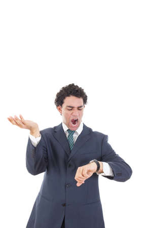 Jonge beklemtoonde zakenman op zoek unpatiently op zijn horloge te weten het te laat is