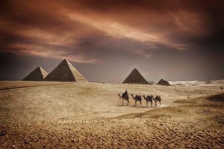 Afbeelding van de grote piramides van Giza, in Egypte.