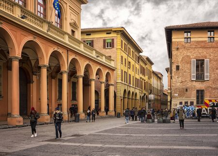 verdi: BOLOGNA, ITALY - FEBRUARY 07, 2017. Student area of Piazza Guiseppe Verdi, by the street of Via Zamboni. Editorial