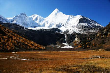 jokul: Mountains in Yading, China