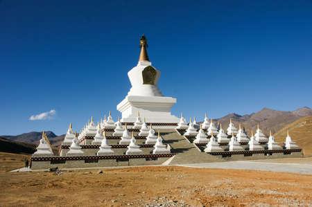 sichuan: China Sichuan Daocheng pagoda