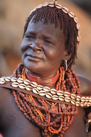 alte afrikanische stammes frauen titten