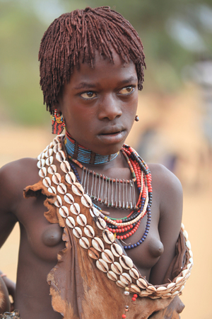 African tribal girl, or the Hamar tribe Éditoriale