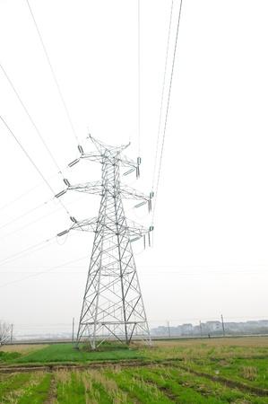 En la primavera de torres de alta tensión