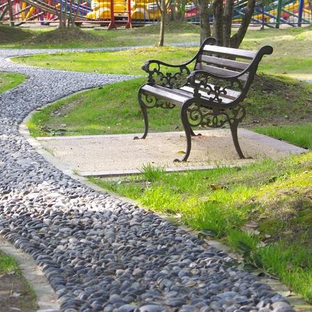 春天的公園座椅
