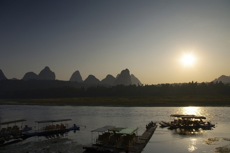 Sunrise Guilin raft photo