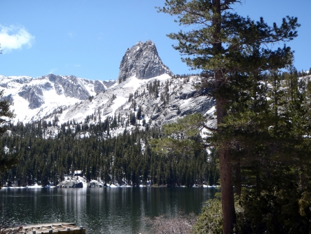 mammoth lakes: Lake George, Snow Capped Mountains, High Sierra, Mammoth Lakes, California