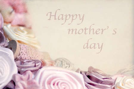 Happy mother's day, background of pink roses with text - vintage style Standard-Bild