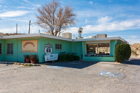 Victorville, CA / USA – March 9, 2017: Located on Route 66, in Victorville, California stands Emma Jean's Holland Burger Cafe, a famous lunch spot for travelers. Editoriali