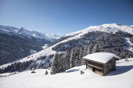 Ski hut in the Austrian mountains in winter. Banco de Imagens