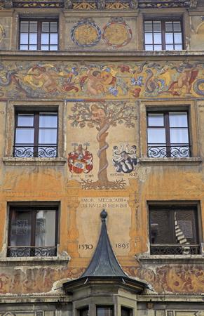 fresco: Old beautiful fresco on medieval building in Lucern, Switzerland