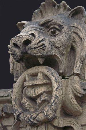 Stone lion statue. Imagens - 3053474