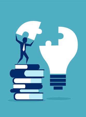 Hombre de negocios exitoso o estudiante de pie sobre una pila de libros que completan el rompecabezas de la bombilla