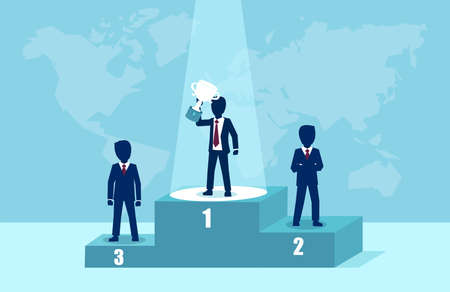 Vettore di un uomo d'affari vincitore sul podio che tiene il trofeo. Leadership e concetto di successo