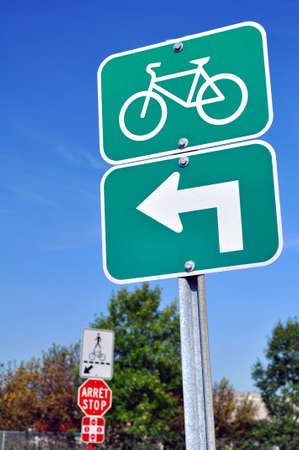 Traffic sign for cyclists: turn left here