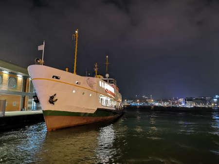 The pier at night, Istanbul, Turkey Standard-Bild