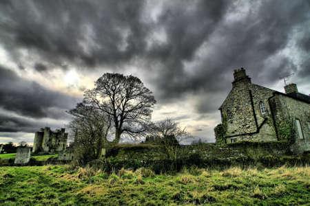horror castle: Trim castillo de la Abad�a de Santa Mar�a, Trim, Co. Meath. Foto de archivo