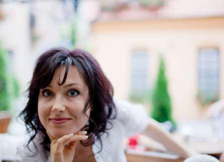 soft focus: Retrato de smailing mujer attractyve alto enfoque suave clave Foto de archivo