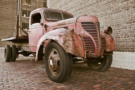 oxidado: Cami�n oxidado viejo