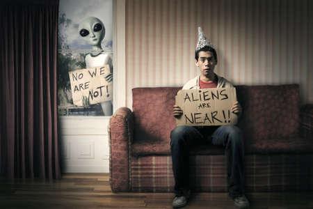 divertente concetto di invasione aliena