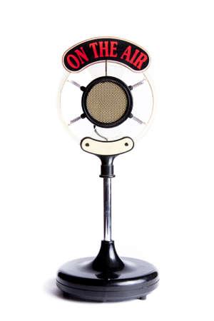 microfono radio: micr�fono retro aislado en blanco