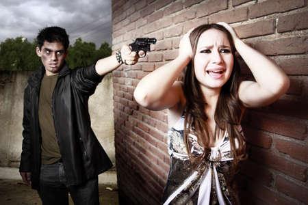 arracher: voleur et femme sur all�e