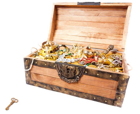 pirate treasure chest isolated on white Stock Photo - 12359997