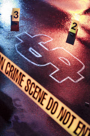 crime scene: foto de una escena del crimen con el dinero fresco como una víctima