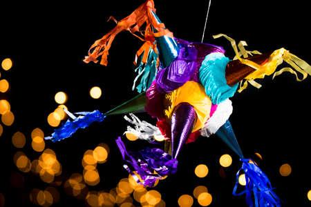 dulces: Piñata mexicana de colores utilizados en los cumpleaños